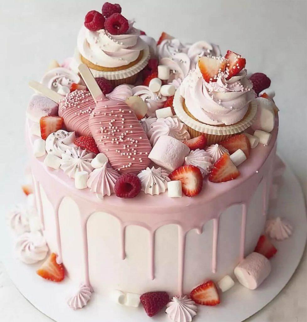 עוגה דקורטיבית ורודה